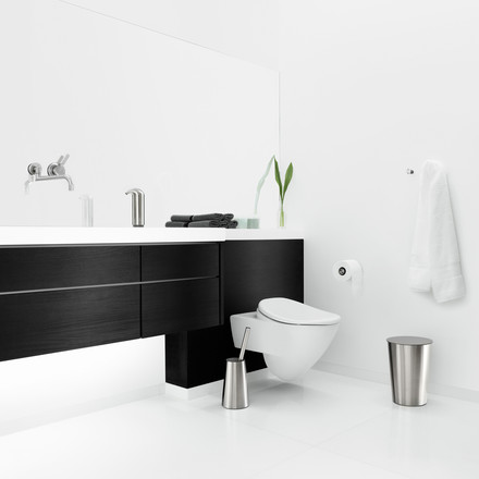 Stylish bathroom with Eva Solo Toilet brush, Rubbish bin and Soap dispenser