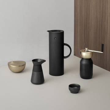 Collar and Theo Series with soft EM 77 Stelton Vacuum Jug